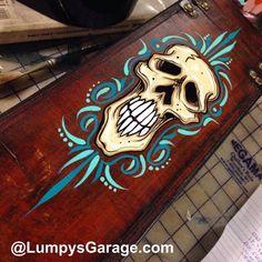#lumpysgarage #pinstriping Garage Art, Project Ideas, Projects, Pinstriping, Hand Painted Signs, Kustom, Tattoo Studio, Airbrush, Typo