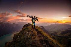 """Unglaublich! @rundblick.ch: """"Bike Runner """" #MTBswitzerland #inlovewithswitzerland #amazingswitzerland"""