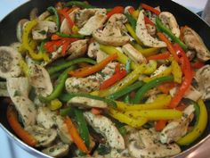 Chicken Pepper Skillet (Diabetic Friendly) - Excellent recipe yummy enough that being healthy is just a nice bonus. The oregano plus cumin plus lemon all really blend wonderfully while each definitely maintaining their own distinctive flavors. Recipes With Chicken And Peppers, Chicken Stuffed Peppers, Healthy Chicken Recipes, Healthy Dinners, Top Recipes, Dinner Recipes, Yummy Recipes, Diabetic Friendly, Diabetic Meals
