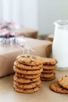 Flourless Peanut Butter Chocolate Chip Cookies via Snixy Kitchen {naturally gluten-free}