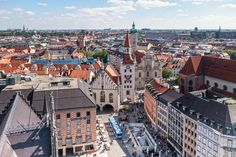 Essential Munich First Timers Guide: book the best daytrips from Munich and focus on city sightseeing. Munich gives visitors a total Bavarian experience! Visit Munich, Visit Germany, Munich Germany, Best Places To Travel, Best Cities, Cool Places To Visit, Thessaloniki, Weekend Trips, Day Trips