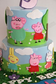 Peppa Pig Cake with family 3 Year Old Birthday Cake, 2 Tier Birthday Cakes, Birthday Cake Girls, Birthday Ideas, Marzipan, Cupcake Cake Designs, 2 Tier Cake, Blue Cupcakes, Pig Party