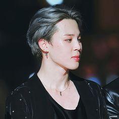 He is so freaking beautiful! Seokjin, Hoseok, Namjoon, Taehyung, Jhope, Bts Bangtan Boy, Bts Jimin, Busan, Park Ji Min