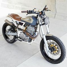 Custom Cafe Racer Motorcycles: Street Tracker Motorcycle Ins. Custom Cafe Racer Motorcycles: Street Tracker Motorcycle Ins. Honda Scrambler, Cafe Racer Honda, Motos Honda, Honda Cb750, Xt 600 Scrambler, Scrambler Cafe Racer, Cafe Racer Bikes, Cafe Racer Build, Cafe Racer Motorcycle
