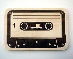Kassette Brettchen // Cassette board via DaWanda.com // 12€