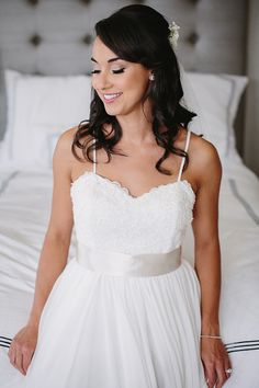 Have a blemish on your big day? Discover these quick remedies to conceal and disguise. Wedding Day Makeup, Bridal Makeup, Special Occasion Makeup, Ruin, Beauty Skin, Big Day, Remedies, White Dress, Check