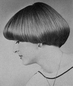Vintage Hairstyles With Bangs All sizes Short Wedge Hairstyles, Hairstyles With Bangs, Cool Hairstyles, Shaved Hair Cuts, Short Hair Cuts, Short Hair Styles, Bob Haircuts For Women, Cool Haircuts, Mushroom Haircut
