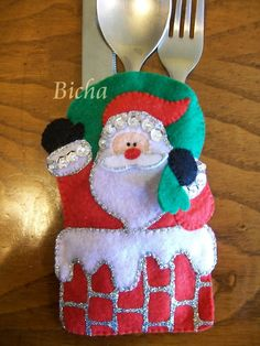Image result for portacubiertos navideños en fieltro Christmas Craft Projects, Christmas Sewing, Christmas Crafts, Christmas Decorations, Felt Christmas Ornaments, Christmas Items, Christmas Stockings, Christmas Holidays, Felt Crafts Patterns