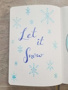 Bullet Journal Quote Page with hand drawn snowflakes and the quote Let It Snow Bullet Journal Quotes, Journal Fonts, Bullet Journal Writing, Bullet Journal Ideas Pages, Bullet Journal Inspiration, Bullet Journals, Bullet Journal Christmas, December Bullet Journal, Bullet Journal Tracker