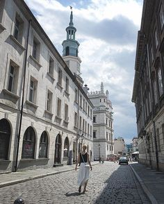 Hot town, summer in the city ☀️😎#summer #inthecity #weekend #hot #summerdays #july #poznan #poland #blogger #bloggerstyle #beautifulplace #citybreak