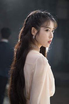 Photo album containing 157 pictures of IU Korean Girl, Asian Girl, Iu Fashion, Korean Actresses, Jennie Blackpink, Girl Crushes, Ulzzang Girl, Korean Singer, Kpop Girls