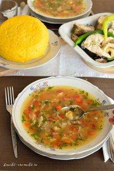 bors de peste dobrogean Romanian Food, Romanian Recipes, Cabbage Soup, Diy Kitchen, Cheeseburger Chowder, Seafood, Vegetarian Recipes, Curry, Food And Drink