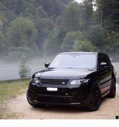 Murdered Range Rover Evoque in the fog. Bugatti, Lamborghini, Audi, Porsche, Cadillac, Range Rover Sport Black, Aston Martin, Range Rover Svr, Most Reliable Suv