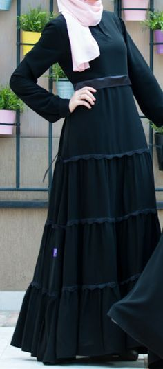 Pearl Abaya embellished with beads Muslim Dress, Hijab Dress, Hijab Outfit, Abaya Noir, Mode Abaya, Abaya Fashion, Muslim Fashion, Fashion Dresses, Burqa Designs