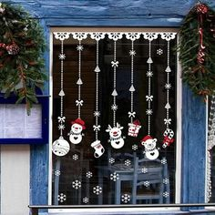 Here are a few Christmas window decorations just for you! Browse through our pick of Christmas window decoration ideas to find something awesome. Christmas Decorations Apartment Small Spaces, Christmas Decorations Diy For Teens, Christmas Lights, Christmas Crafts, Christmas Ornaments, Christmas Christmas, Christmas Ideas, Snowflake Ornaments, Christmas Tables