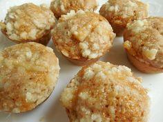 Mini apple crumble muffins - Drizzle Me Skinny!Drizzle Me Skinny! Apple Crumble Muffins, Cinnamon Crumble, Mini Muffins, Weight Watchers Desserts, No Bake Desserts, Healthy Desserts, Dessert Recipes, Healthy Muffins, Healthy Recipes