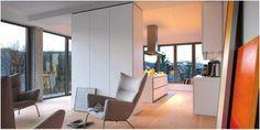 Hans Wegner chairs alongside the bulthaup system Apartment Kitchen, Living Room Kitchen, Kitchen Interior, Kitchen Decor, Bulthaup B1, Bulthaup Kitchen, Luxury Interior Design, Interior Architecture, Interior Decorating