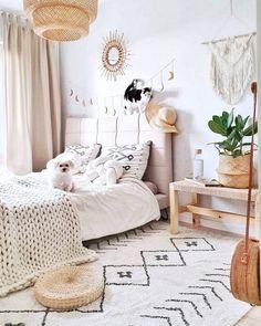 Unbelievable Plans for Boho Bedroom boho bedroom Stylish Bedroom, Cozy Bedroom, White Bedroom, Dream Bedroom, Modern Bedroom, Bedroom Decor, Gypsy Bedroom, Master Bedroom, Bedroom Wardrobe