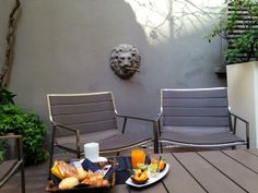 Hotel Breakfast, Outdoor Furniture Sets, Outdoor Decor, Bologna, Home Decor, Food, House Decorations, Furniture, Bassinet