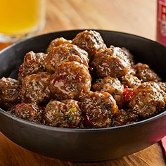 These Asian meatballs are great as a side or as an appetizer. Get the recipe for Sweet Chili Meatballs to make them at your next party. Meatball Recipes, Crockpot Recipes, Chicken Recipes, Cooking Recipes, Cooking Ideas, Hot Sauce Recipes, Snack Recipes, Albondigas, Appetizers