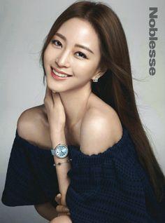 Han Ye Seul - Noblesse Magazine May Issue Korean Makeup, Korean Beauty, Asian Beauty, Birth Of A Beauty, Kdrama, Korean Photography, Han Ye Seul, Minimalist Makeup, Korea