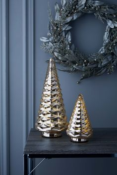 Little touches to bring the holidays into your home