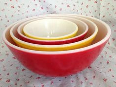 Rare Set of 4 Vintage Pyrex nesting bowls Primary Red and Yellow