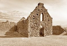 Dunnottar's chapel Christmas In Scotland, Tower Bridge, Building, Travel, Viajes, Buildings, Destinations, Traveling, Trips