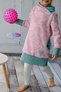 Lila oder Rosa ? Türkis ! Nein Blau! - lilaundmint Dresses Kids Girl, Kids Outfits, Sewing For Kids, Winter Dresses, Sweater Outfits, Clothing Patterns, Baby Dress, Kids Girls, Kids Fashion