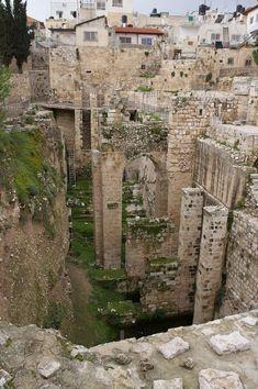 Poço de Betesda em Jerusalém, Israel.