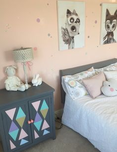 Grey and pink kids room - with polka dots wallart Art Wall Kids, Wall Art, Pink Kids, Kids Room, Polka Dots, Grey, Table, Furniture, Home Decor