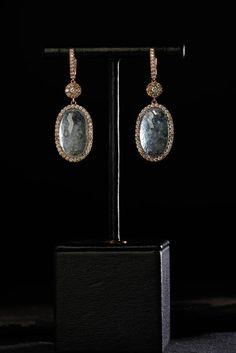 18 carat rosegold, sapphires, brilliants. Oorbellen. Earrings #Oorbellen #Earrings #Juwelen #Jewelry #LillyZeligman  www.lillyzeligman.com