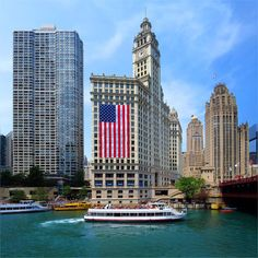 not an early bird really ... as I am sharing yesterday frame to match today's theme; happy July the 4th :) #GoodMorning #HappyFourth #FourthOfJuly #July4 #JulyFourth #IndependenceDay #HappyWeekend #LongWeekend #Colors #WrigglyBuilding #America #Flag #USA #Chicago #Downtown #Buildings #Boats #BlueWater #ChicagoRiver #WindyCity #Summer2015 #FunTimes