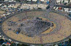 Massive crowds of #Pilgrims on the #MountArafat......#MASHAALLAH  #Arafat #Hajj2017 #Hajj1438 #Makkah #Islam #Muslims