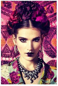 Frida Kahlo hair for August photoshoot? Foto Fashion, Diy Fashion, Style Fashion, Mexican Fashion, Hippy Chic, Fall Lookbook, Mode Boho, Mode Editorials, Jolie Photo