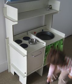 diy cardboard kitchen (corrugated cardboard covered in contact paper)