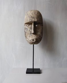 African Masks, African Art, Venus Of Willendorf, Light Mask, African Home Decor, Concrete Design, Sculpture Clay, African Design, Sewing Projects For Beginners