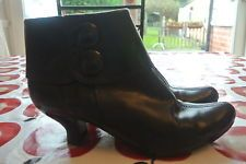 CLARKS SOFTEST BLACK LEATHER 4.5 37.5 SMALL HEEL ANKLE BOOTS VICTORIAN LOOK