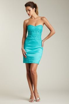 Romeo & Juliet Couture Strapless Lace Zipper Dress