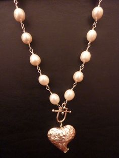 Thai silver heart hanging from freshwater pearls