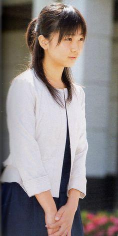 【厳選】皇室の美人画像集 : 【皇族】秋篠宮佳子さま かわいい画像・プライベート写真!ホームステイ先から9月4日に帰国 学習院大学 - NAVER まとめ