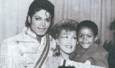 MJ, Cindy Lauper and Emmanuel Lewis backstage during the 1984 Jacksons Victory Tour in Madison Square Garden August 4 1984