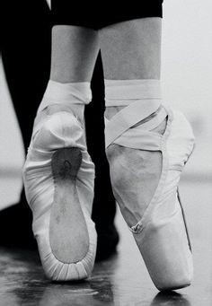 pointe... Dance<3