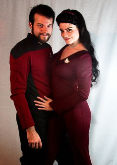 Riker and Deanna Troi cosplay