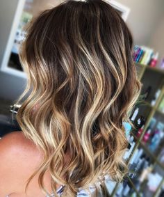 Blonde Balayage for Dark Hair Dark Blonde Hair Color, Blonde Hair With Highlights, Brown Blonde Hair, Ombre Hair Color, Brown Hair Colors, Hair Colour, Chunky Highlights, Brown Curls, Chocolate Brown Hair Color