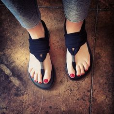Sanuk Sandals made of yoga mats via Exclusively Chic