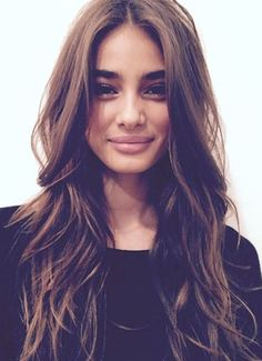 Fall-winter 2016 Wavy Haircut - Wavy Hair: D . - New Hair Styles Good Hair Day, Great Hair, Messy Hairstyles, Pretty Hairstyles, Medium Hairstyles, Long Brunette Hairstyles, Medium Long Haircuts, Brunette Haircut, Middle Part Hairstyles