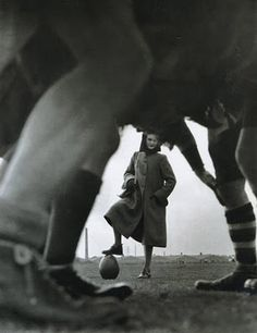 Norman Parkinson, Rugby- This is almost the picture I've been looking for!!!
