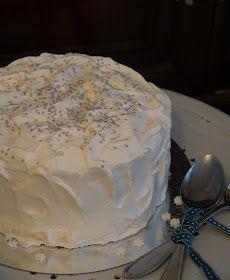 Doron kakku: Enkelikakkua ihanille vieraille! Vanilla Cake, Flora, Desserts, Tailgate Desserts, Deserts, Plants, Postres, Dessert, Plated Desserts