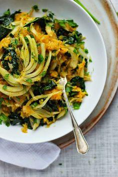 squash with roasted garlic kale fennel shallots herby spaghetti squash ...